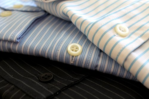4 THINGS TO DO BEFORE LAUNDRY & DRY CLEANING GARMENTS